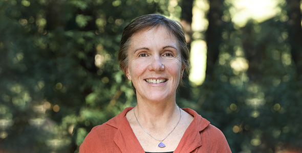 Biologist Lindsay Hinck