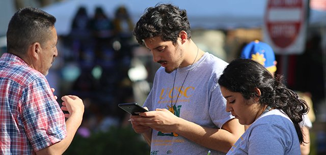 UC Santa Cruz students conducting the renter surveys and interviews