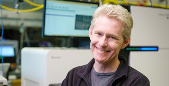 Joe DeRisi (Crown '92, biochemistry and molecular biology). Source: ucsf.edu